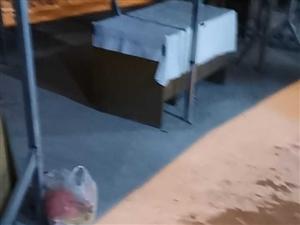 观音阁市场魁英路垃圾满地