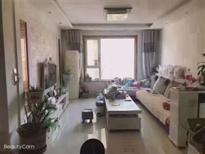 巴黎庄园3室,精装,带车位,78万元,正满2年