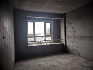 凯泽・翡翠郡4室2厅2卫带车位,储藏室,135万元,包过户