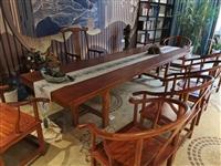3米4長的奧坎大板桌,7把圈椅,小茶臺1張**的,僅限自提,6800。需要聯系我。