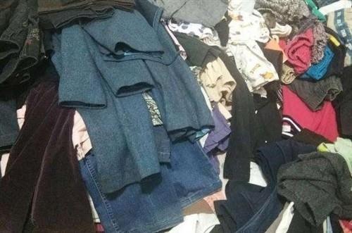 新蔡旧衣上门回收,各种样式的衣服鞋子包包都可以,价格公道,不管是老年人的衣服还是小孩的开裆裤,不管是...