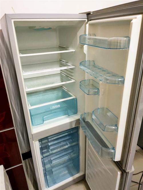 二手冰箱空调电视洗衣机,成色新价格优惠保证质量,保修3个月,同城送货上门