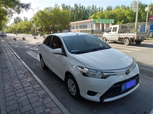 个人一手2015年7月丰田威驰小轿车出售