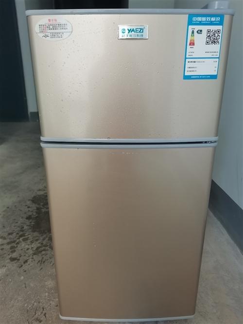 小冰箱只用了一个半月,很新