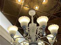 新中源陶瓷现店面升级 所有灯具,特价处理。吊灯、 轨道灯 、射灯 、款式多种。都很新。 有意向者欢...