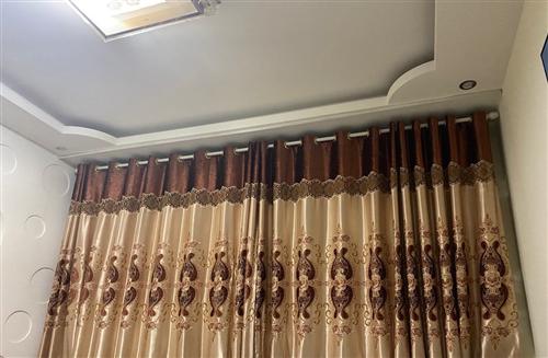 沙发窗帘便宜卖了,因为准备重新装修换风格,有意者可以私聊,微信和电话一样