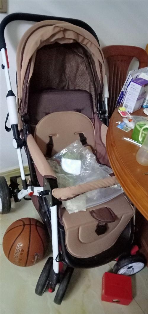 新买的婴儿推车。没有用。九九成新。家里放不下,便宜处理了。