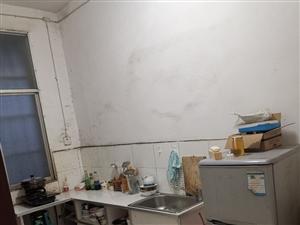 住房位于盘州市城关八街两室一厅一厨一卫68平米,价格14.6万元,联系电话18985922599