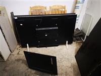 低价出售二手家用电器,电视,洗衣机,冰箱,空调等各种二手家电。质量保障,保修半年。