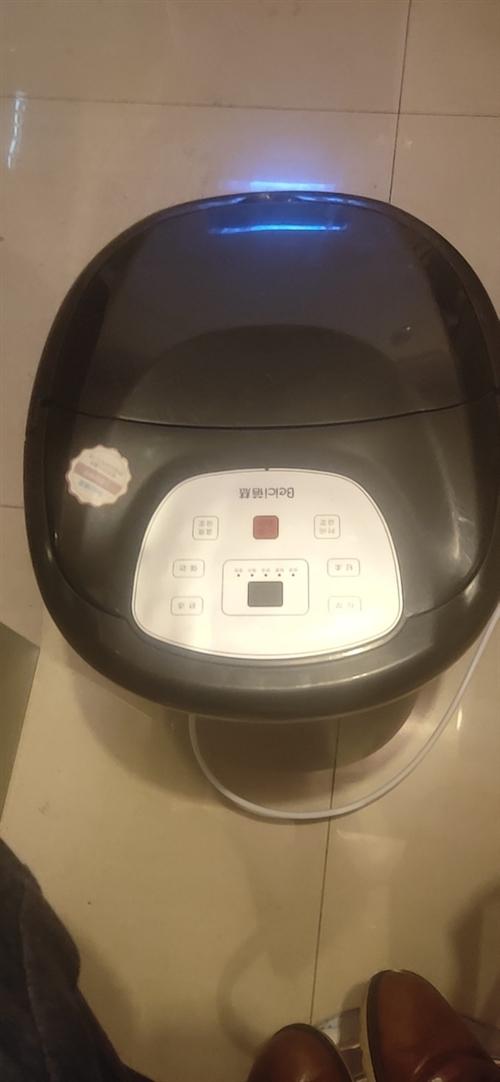 智能按摩洗腳桶,泡腳神器!!淘寶原價230的,洗腳桶 !現價100!!自動加熱!!保溫!!!