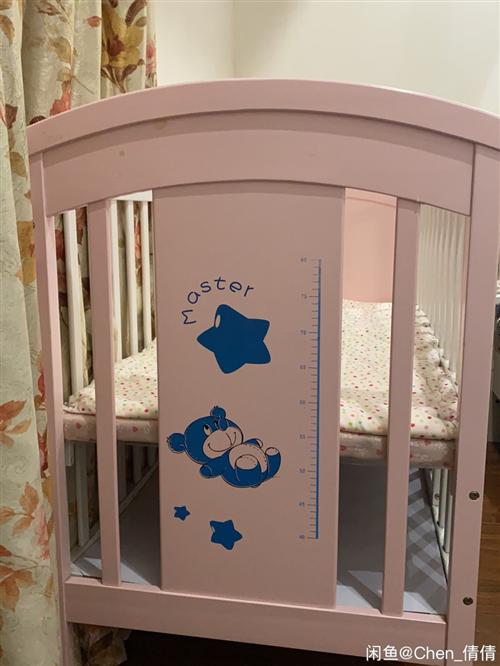 婴儿床,九成新,邻水实体店购入,宝宝一天都没睡过,200同城自提,送小棉被床垫