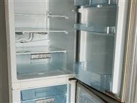 7成新,直冷,242升,储物盒有几处破损,但不影响使用。冰箱在家里6楼,300出,需要的自提!