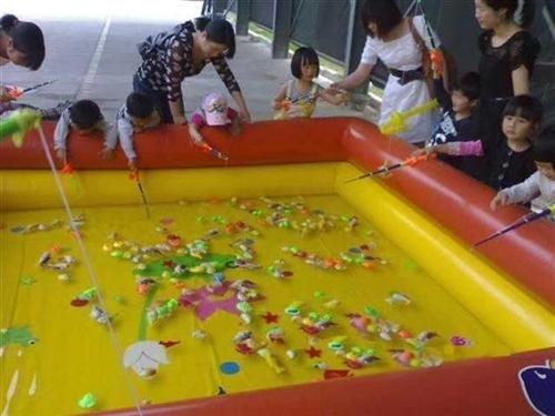 出售儿童鱼池2*4米,石膏娃娃,涂色画,雪泥画,画架等
