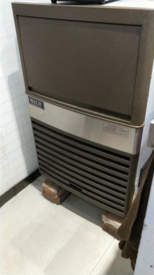 本人有一套奶茶店设备,现低价出售(点餐机,冰淇淋机,制冰机,果糖机,煮茶机,暴风雪机等)有需要的请与...
