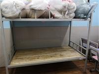 学生课桌、铁床上下铺等转卖