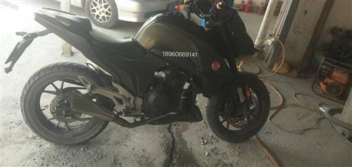 摩瑞电控4000公里慢慢增加出售一台 19年5月 摩瑞摩托车,。精品车,9成新。国四电喷,排量400...