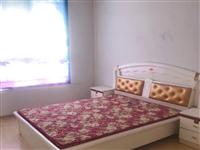 9成新大床,衣柜,要賣,有人買嗎?在旭潤新城