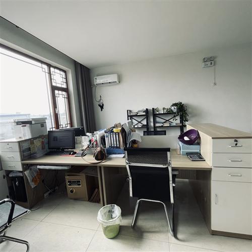 办公桌 1.2的桌面 9.5成新 需要的联系