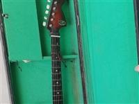 二手电吉它,低价出售,有意者联系我,非诚勿扰!