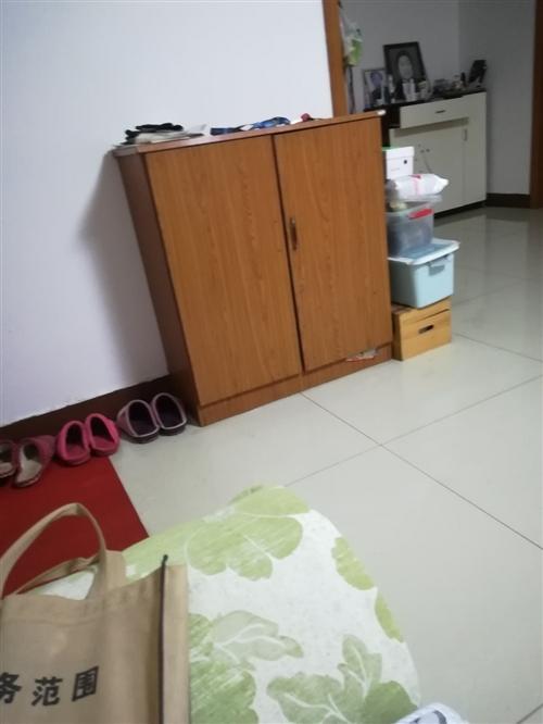 北馬道附近家里裝修。有衣柜床沙發鞋柜,冰箱洗衣機飲水機等給錢就賣
