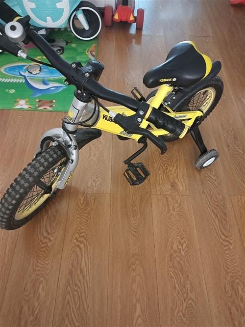 带辅助轮九成新14寸自行车出售,需要的联系我
