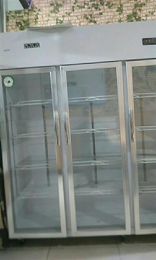 **食品保鮮柜。因為生意變動用不上所以出售,價格面議