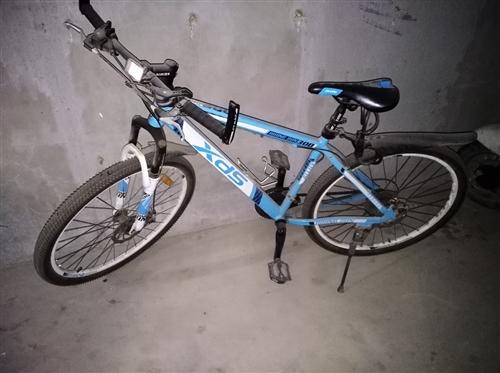 低价出售喜德盛21速自行车,禧玛诺变速,铝合金26寸山地车,KMC链条,前后机械碟刹,九成新。