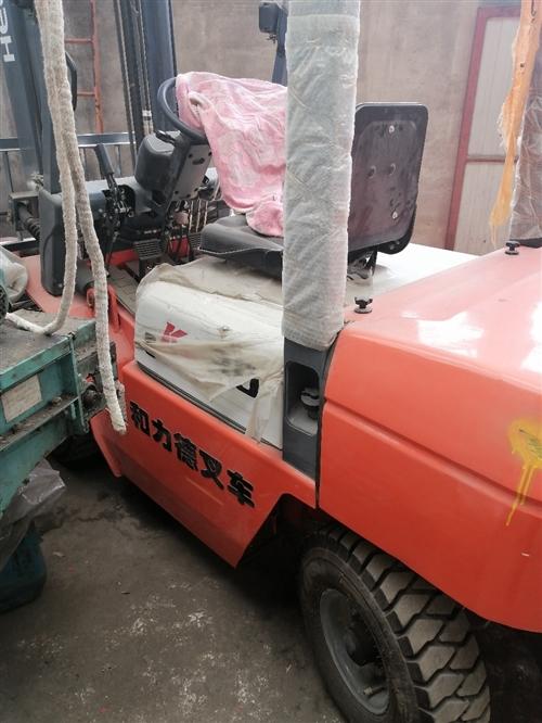 處理三噸叉車升高四米帶側移,買來用不上處理掉,各種保護膜都沒撕,45000處理