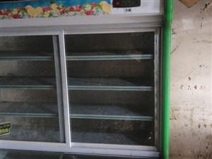 展示柜,另外还有冰柜,桌椅板凳锅碗瓢盆,饭店打折,有兴趣联系