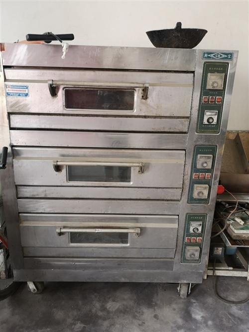 厨宝牌烤箱,380V电源。可烤面包、馍、饼等,三层六个托盘。价格面议。