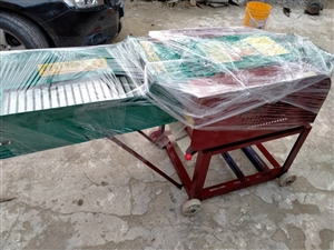 3.8吨铡草揉丝机
