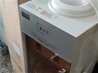 飲水機,電視,空調,熱水器,等,低價出售,價格100多,合適就賣!