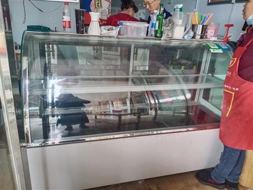 九成新冷藏展示柜,冷冻冷藏操作台,海尔2米*1.4米冰柜吐血1500/台出售
