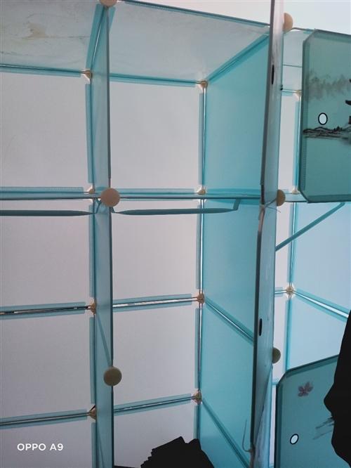 这是当时给小孩买的衣柜,4门,现在买木衣柜了,不要了。