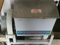 闲置打面机一台,能打35斤面粉,七成新,质量扛扛的,18737560657