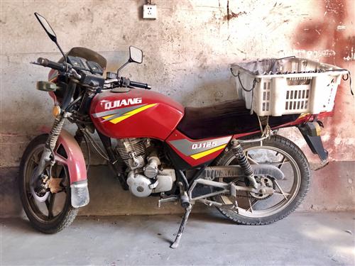 钱江125摩托车 车况很好 希望能找到合适的主人有意向可联系