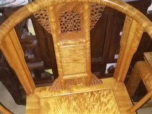 金丝楠三件套家具,因债务问题出售,纯金丝楠。纯手工。