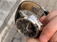 天梭库图,出售2000,成色9新,报价六千多,有意者电联17316111682