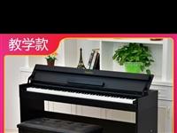 1米2实木床 **买窄了想换大的  电子钢琴9成新 掀盖版 价格私聊 联系我时说是在黔江在线看到的
