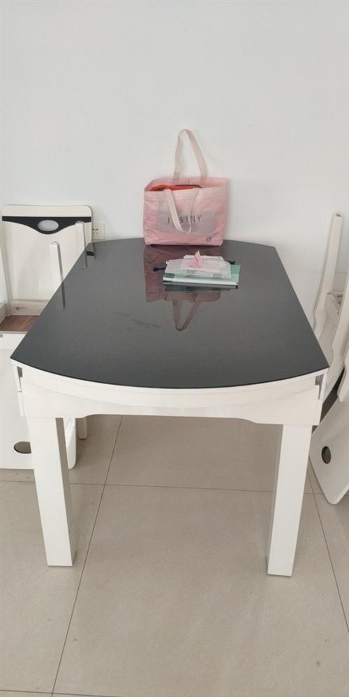 家庭自用折疊餐桌 帶轉盤,茶幾,9成新,送六把椅子 ,同城自提