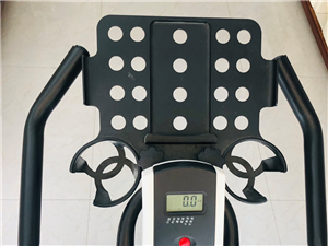 低价出售健身单车,600元,可议价哦。购买约一年,一直闲置,德令哈甘南小区自提。