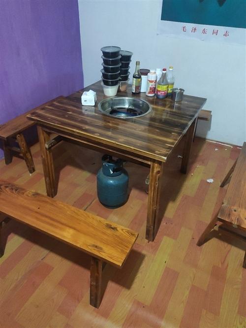 **火鍋桌。  幾乎沒用,  150一張。 邛崍北門自提。