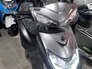 **3500买的,爱玛电动车,新款60v32a原厂电池,买来打算跑外卖的,**还没有骑,转手原因...