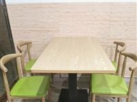 九成新   桌椅一套