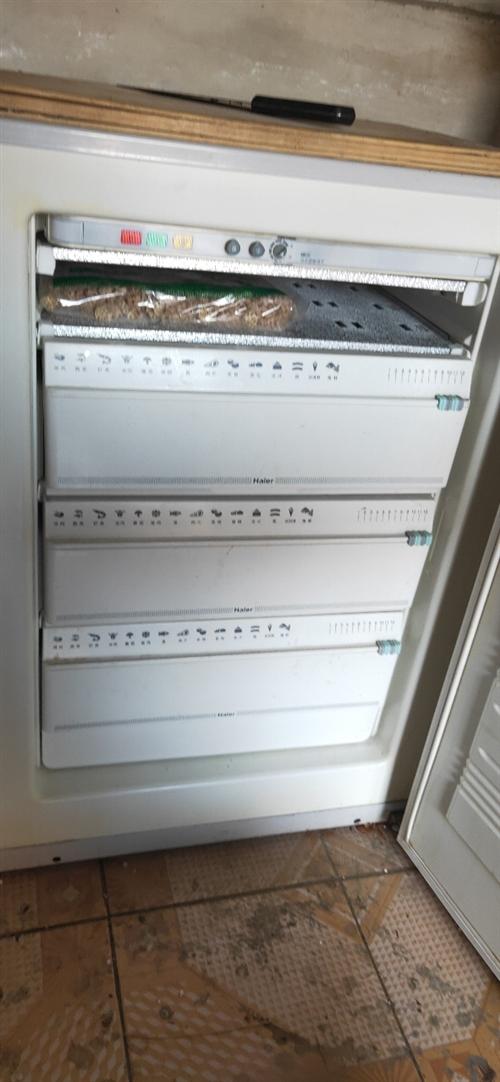 海尔小冰箱出售200