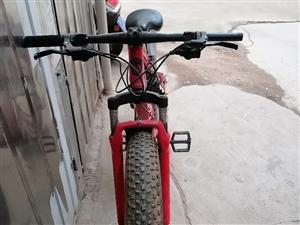 山地自行车,由于本人去外地,新车在京东购买价格差不多900块,现低价出售