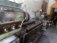 車床系中華人民共和國安陽機床廠產普通車床型號是c630-3000,床身迴轉直徑615mm加工長度28...