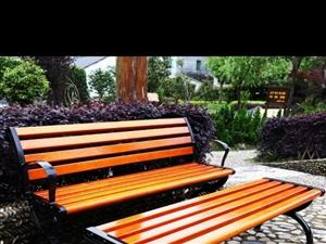 开店时用的,直体无靠背长凳,长1.5米,很实用,9.5成新,190元出,谁喜欢的,可议价,联系我13...