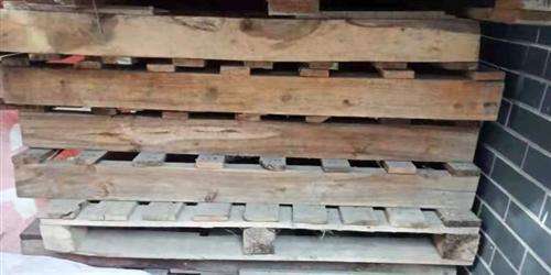 長1.2寬1米,木板,有需要可以隨時聯系,數量不多,先到先得