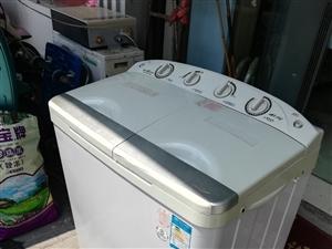 半自动8.6公斤洗衣机,380元,保修一年。17702504455东庐家电